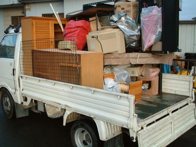 平トラックの積み荷